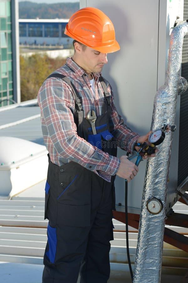 Airconditioningsreparatie royalty-vrije stock afbeeldingen