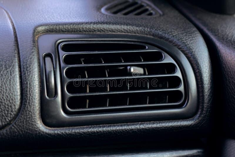 Airconditioningstraliewerk in auto dichte omhooggaand royalty-vrije stock foto
