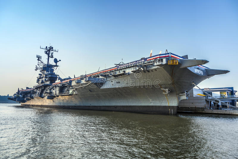 Aircraft carrier as museum in new york editorial photo - Portaerei new york ...