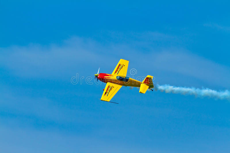 Download Aircraft Extra 300S editorial image. Image of danger - 26486345