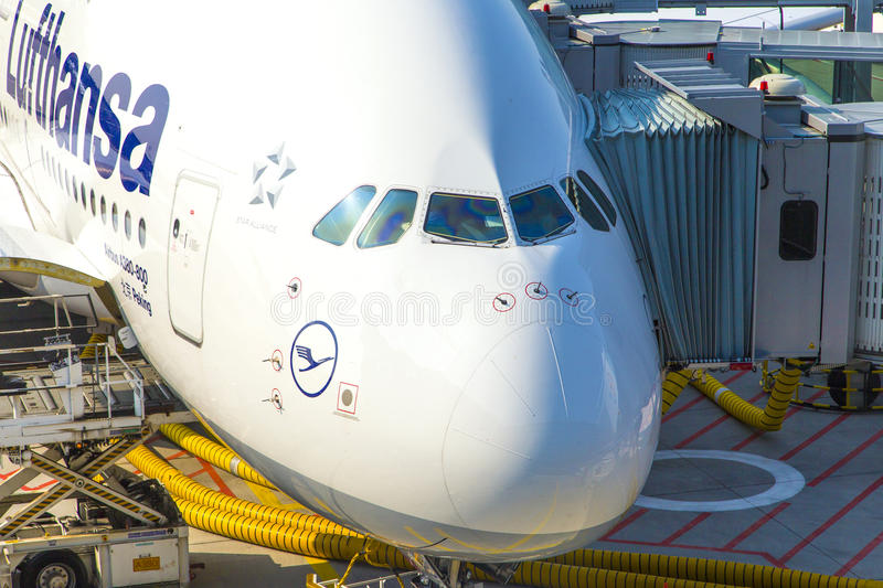Download Aircraft Ready For Boarding Editorial Photography - Image: 32842962