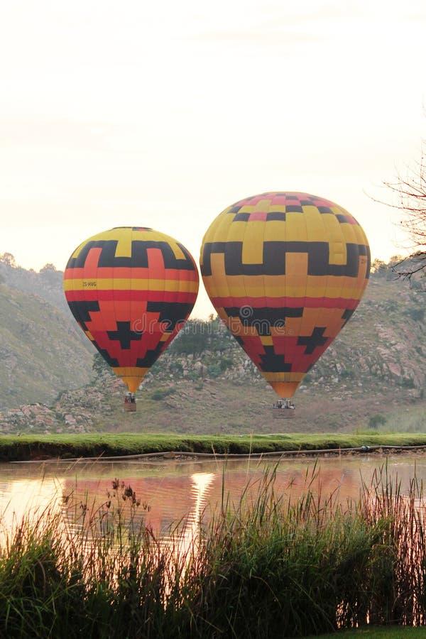 Aire caliente Balooning en África foto de archivo libre de regalías