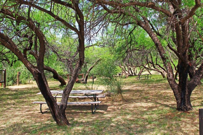 Aire de pique-nique de ranch de Posta Quemada de La en parc colossal de montagne de caverne photographie stock