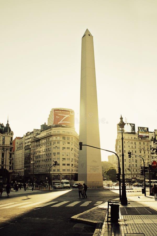 9 aires Alei Buenos De Julio obelisk fotografia stock
