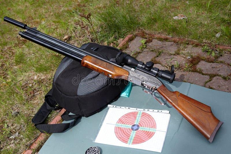 Airgun, doelstellingen en kogels stock foto's