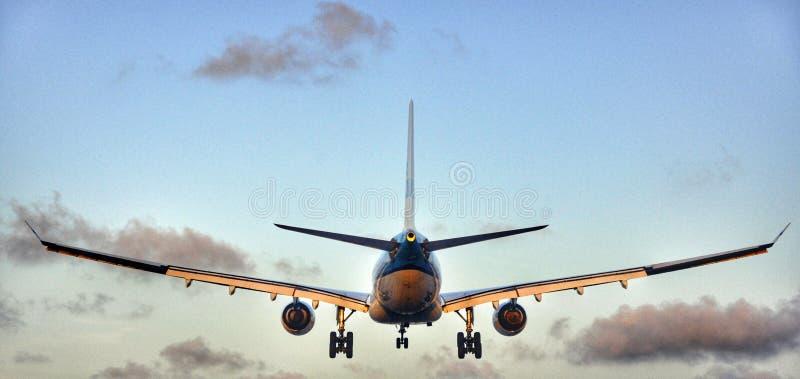 Airplain lądowanie obraz royalty free