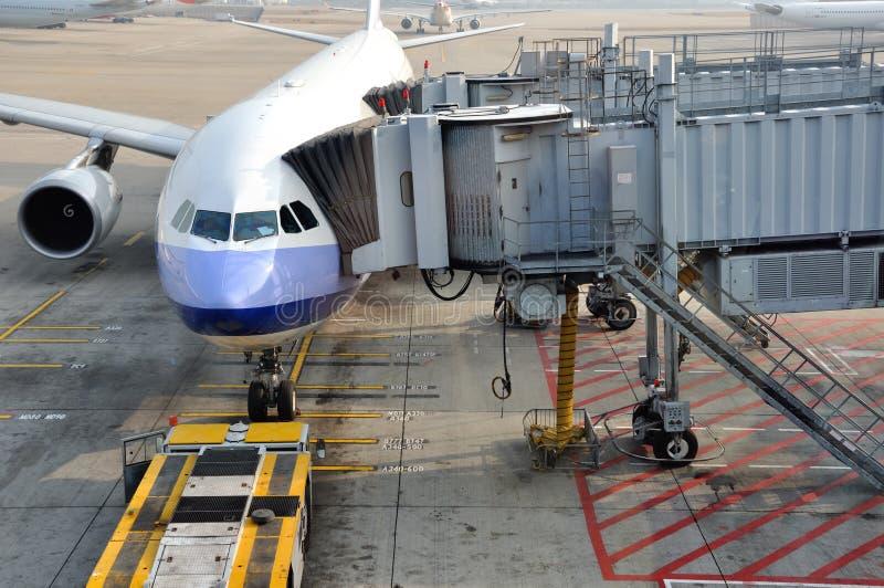 Download Airplane In Hongkong Airport Working Yard Editorial Photo - Image: 23589266