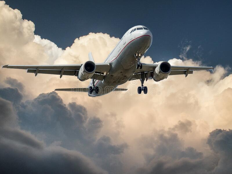 Airplane Landing Free Public Domain Cc0 Image