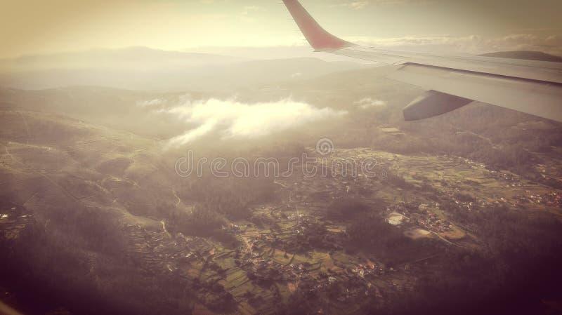 airplane& x27; paisaje de la opinión de s retro imagen de archivo