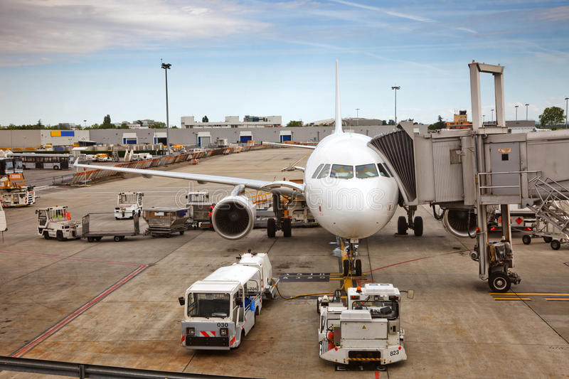 Download Airplane Preparing To The Flight Stock Image - Image of parked, journey: 15132547