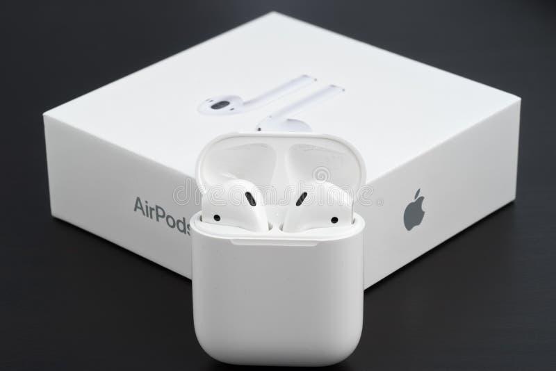 AirPods-Radioapparatkopfhörer lizenzfreie stockfotografie