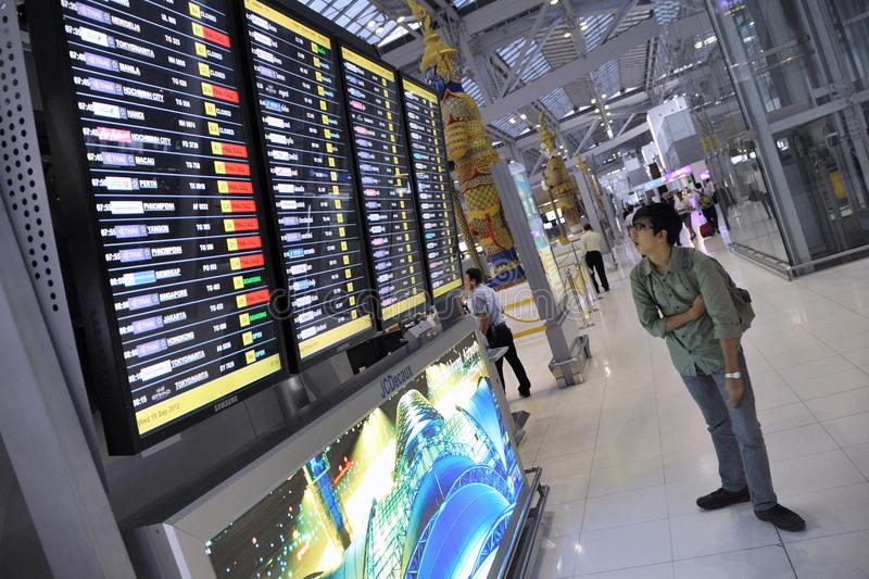 Download Airport Departures Board editorial image. Image of cancelled - 30769255