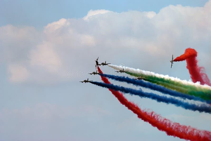 Airshow με το χρωματισμένο καπνό στοκ εικόνες με δικαίωμα ελεύθερης χρήσης