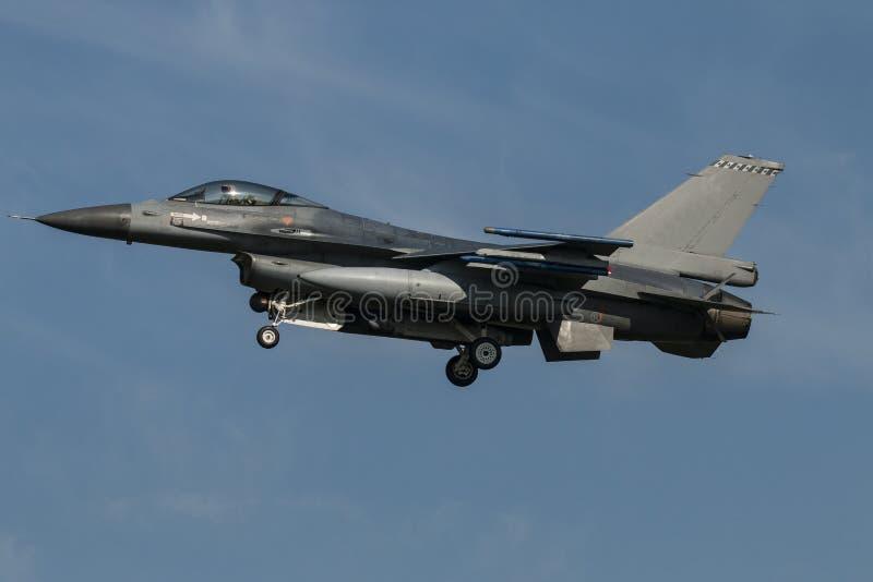 Airshow avec des jets et des hélicoptères photographie stock libre de droits
