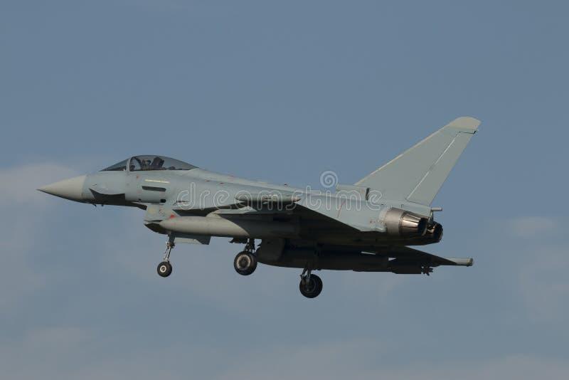 Airshow avec des jets et des hélicoptères photo stock