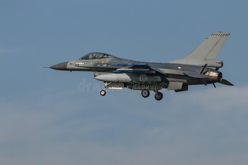 Airshow avec des jets et des hélicoptères images libres de droits