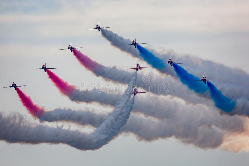 Airshow Bournemouth - RAF Red Arrows-het tonen royalty-vrije stock foto