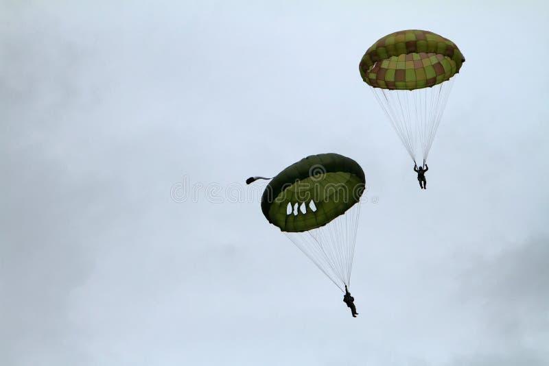 Airshow de parachutiste images libres de droits