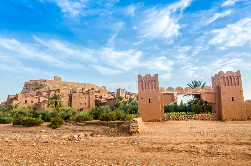 Ait Benhaddou, укрепленный город, kasbah или ksar в Ouarzazate, Марокко стоковое изображение rf