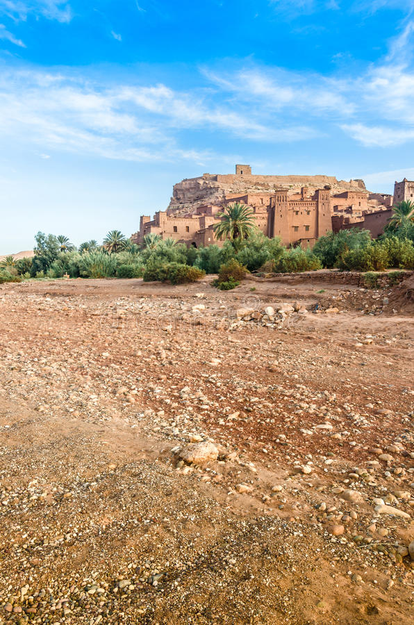 Ait Benhaddou, cidade fortificada, kasbah ou ksar em Ouarzazate, Marrocos foto de stock royalty free