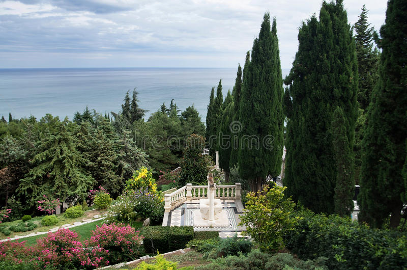 Aivazovskypark in Partenit in de Krim Tuin royalty-vrije stock foto