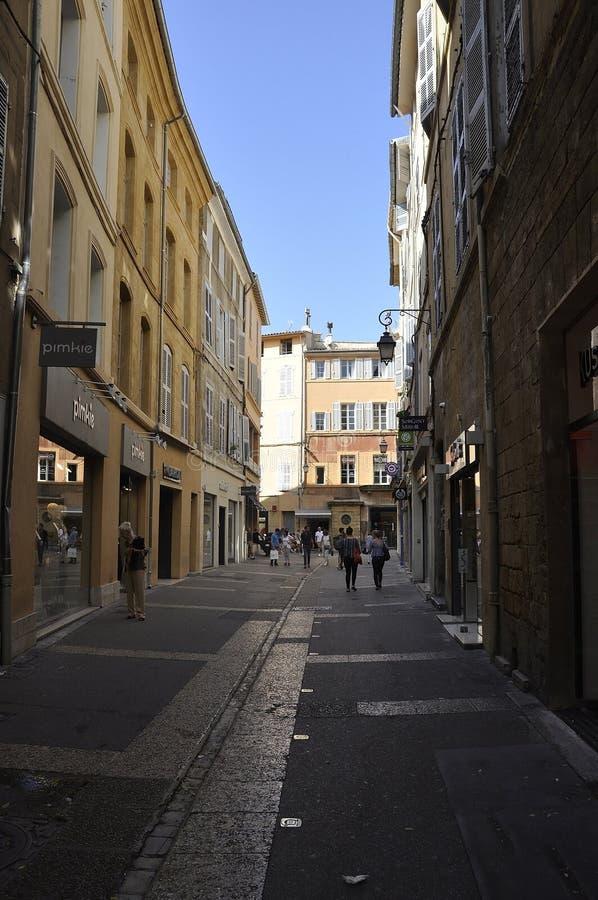 Aix-en-Provence, 10 de septiembre: Vista de la calle desde el centro de Aix-en-Provence al sur de Francia fotografía de archivo libre de regalías