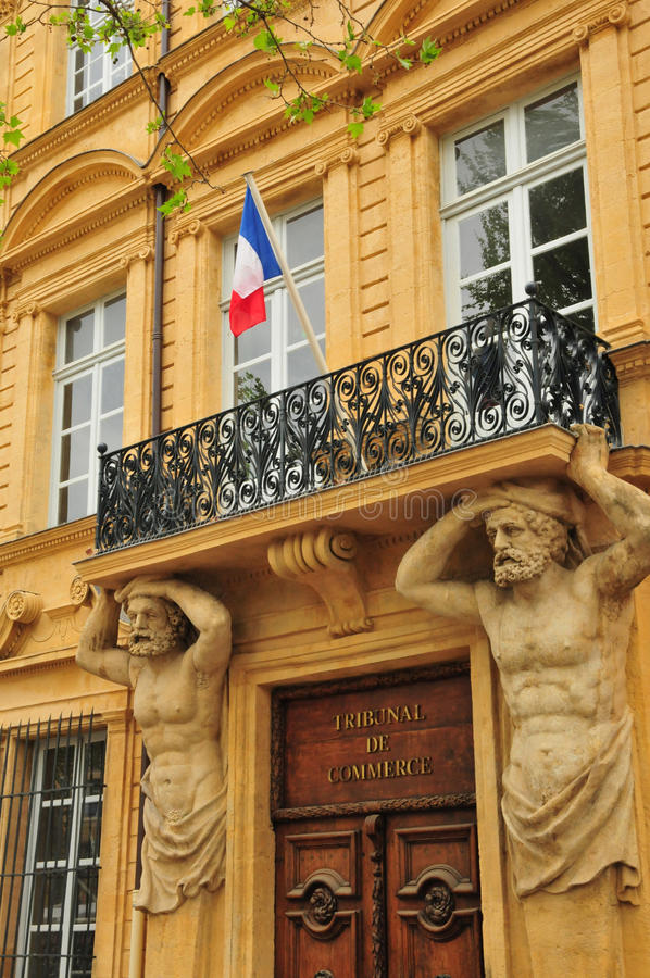 Aix en Provence, Frankrijk - april 21 2016: cours Mirabeau royalty-vrije stock fotografie