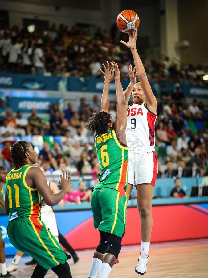 Aja Wilson in actie tijdens basketbalwereldbeker 2018 stock foto's
