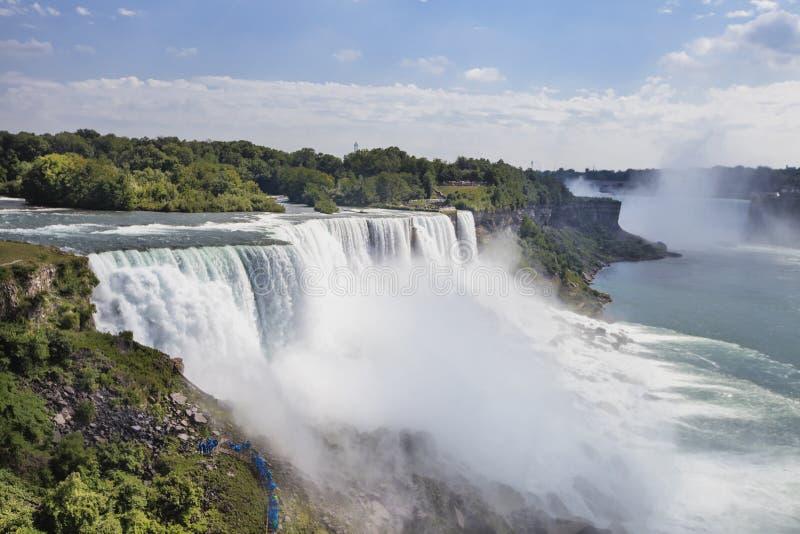 Ajardinando a vista de Niagara Falls, NY, EUA imagens de stock