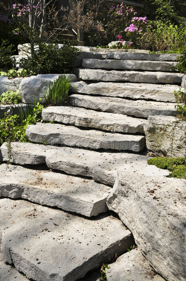 Ajardinar natural da pedra fotografia de stock