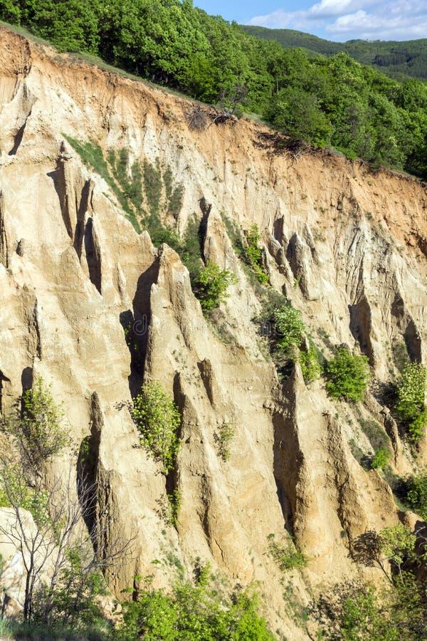 Ajardine con las pirámides de Stob de la formación de roca, montaña de Rila, región de Kyustendil, Bulgaria fotos de archivo