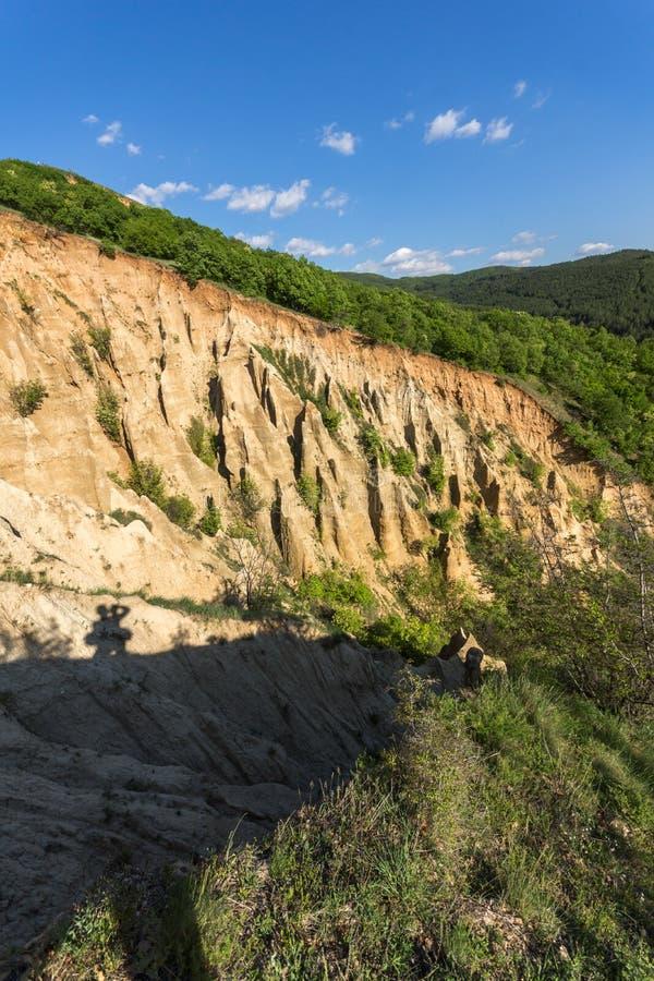 Ajardine con las pirámides de Stob de la formación de roca, montaña de Rila, región de Kyustendil, Bulgaria foto de archivo