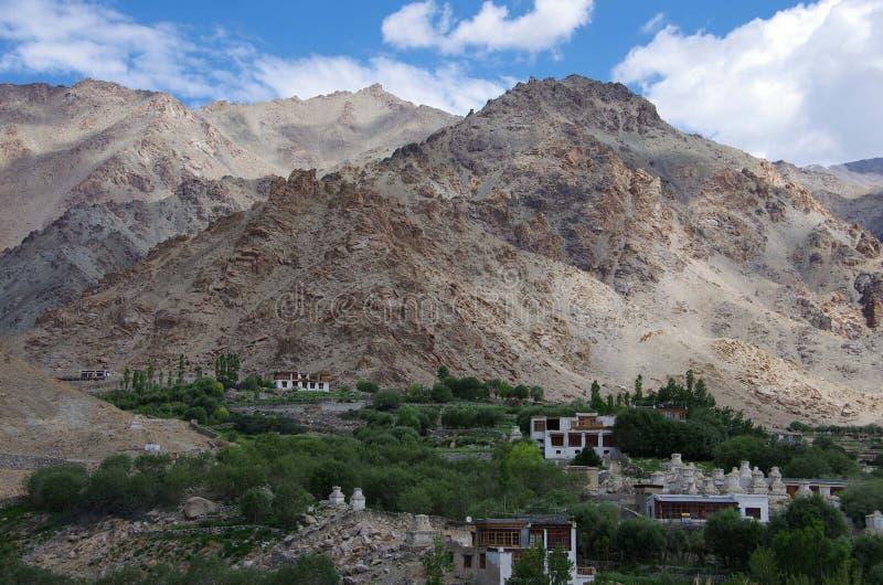 Ajardine en el monasterio de Likir en Ladakh, la India imagenes de archivo