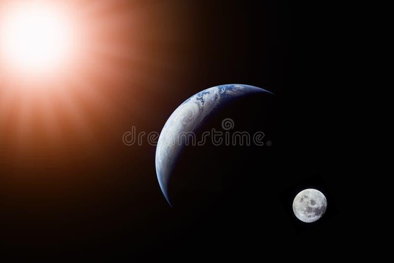 Ajardine la imagen de la opinión de Sun, de la tierra y de la luna del espacio foto de archivo