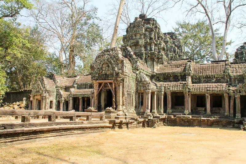 Ajardine la vista de los templos en Angkor Wat, Siem Reap, Camboya fotografía de archivo