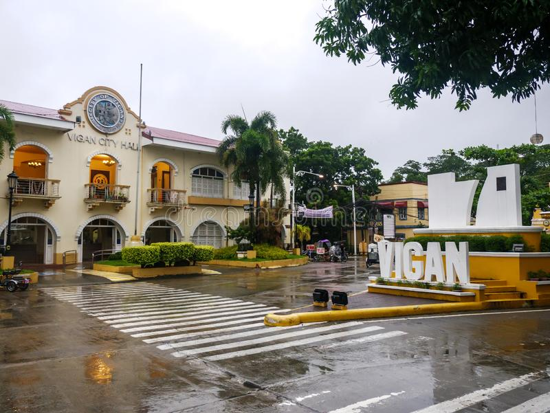 Ajardine na frente da cidade em um dia chuvoso, cidade de Vigan de Vigan, Filipinas, agosto 24,2018 imagens de stock