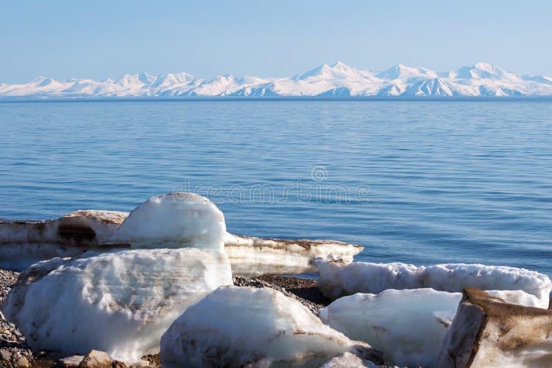 Ajardine o mar de Okhotsk, Magadan, Rússia fotografia de stock royalty free