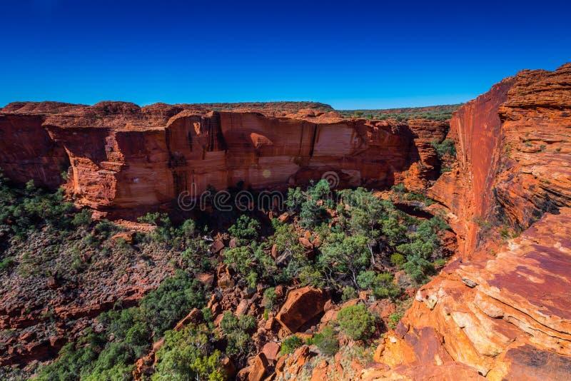 Ajardine a vista em reis Garganta, interior de Austrália imagem de stock