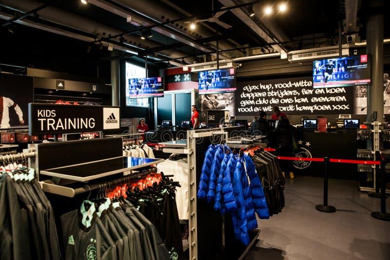 Ajax-fotball Club-Shopinnenraum auf Amsterdam-Arena, die Niederlande lizenzfreies stockfoto