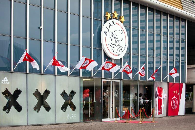 Ajax-fotball Clubshop auf Amsterdam-Arena, die Niederlande lizenzfreie stockfotografie