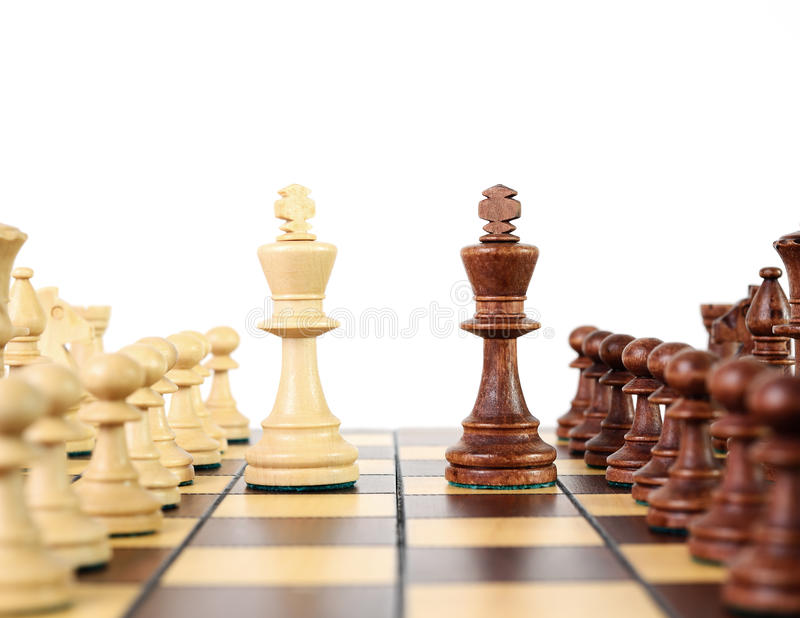 Ajedrez en el tablero de ajedrez imagen de archivo libre de regalías
