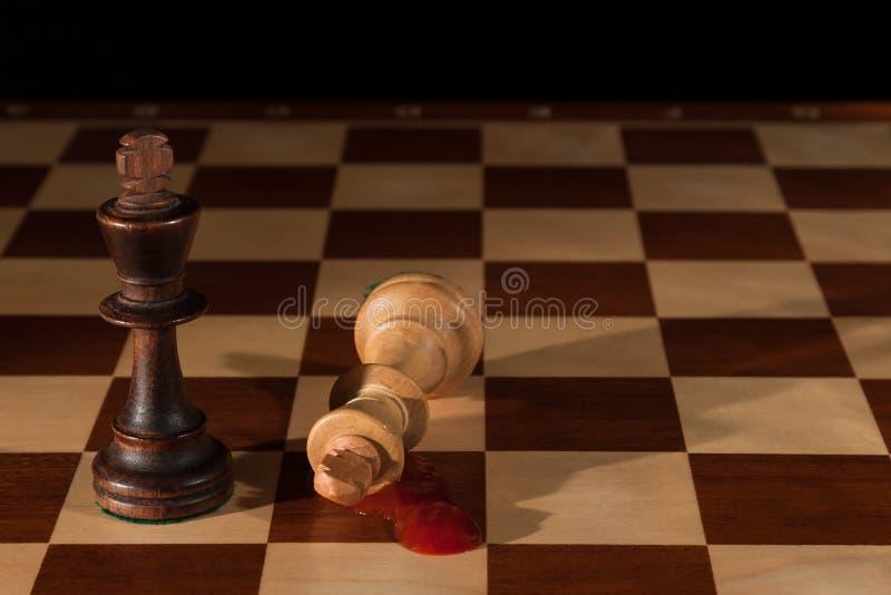 Ajedrez 2 reyes en un tablero de ajedrez fotos de archivo libres de regalías