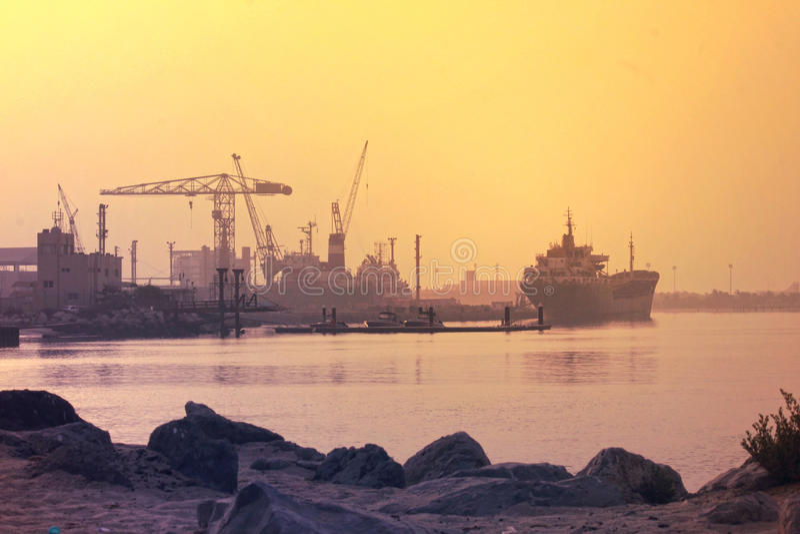 AJMAN-LITEN VIK, DUBAI på 21 Juli 2017 arkivbild