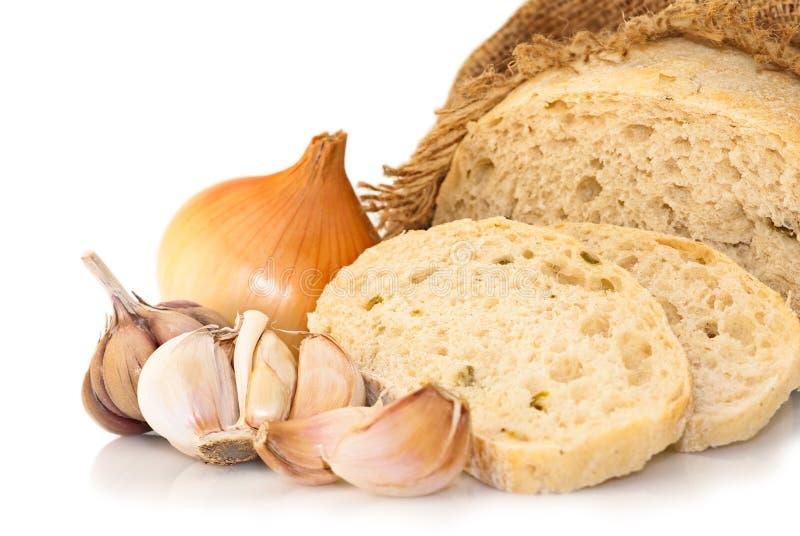 Ajo y cebolla del pan del trigo imagen de archivo libre de regalías