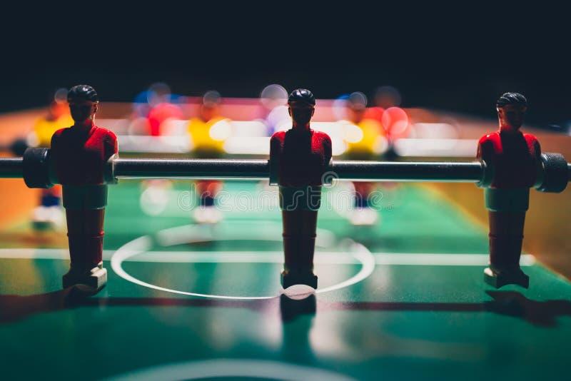 Ajournez la silhouette du football du football du joueur de joueurs de jeu photographie stock