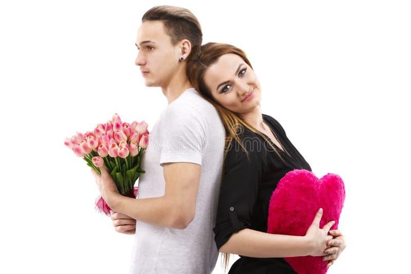 ajouter à un bouquet des tulipes, thème de jour de valentines photographie stock