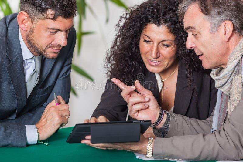 Ajouter au conseiller financier image stock
