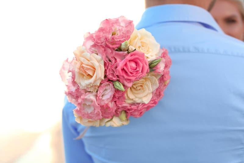 Ajouter de mariage au beau bouquet photo stock