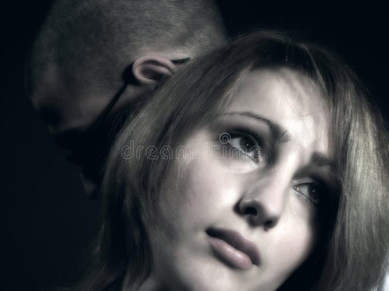Ajouter tristes à la jeune fille et au garçon 2 photographie stock