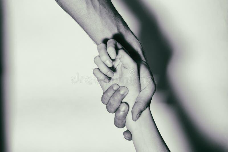 Ajuda aos viciados em drogas viciados do Mão-auxílio Rebecca 36 foto de stock